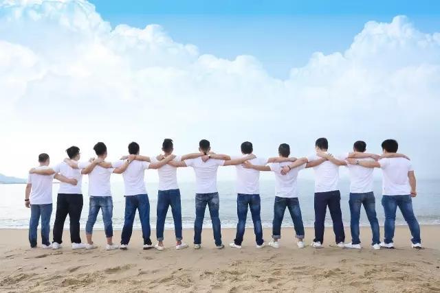 企业如何定制好的团队文化衫